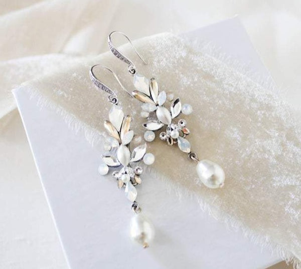 Pearl drop Swarovski crystal Bridal earrings - STEPHANIE - Treasures by Agnes