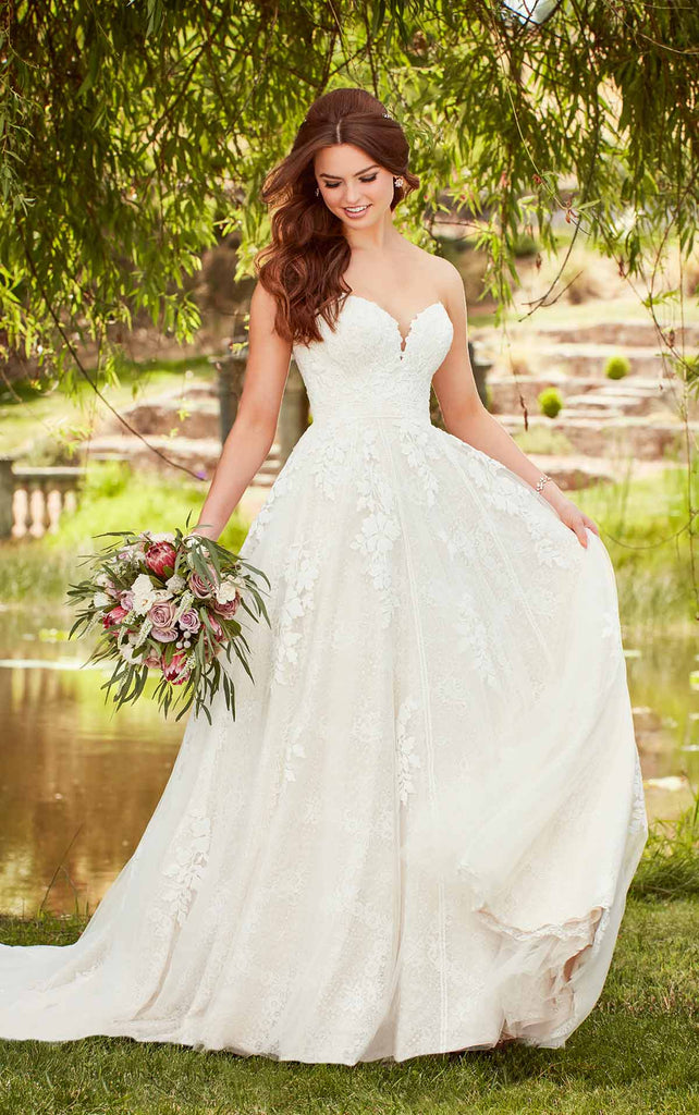 Essense of Australia D2752 - Vintage sweetheart natural waist Aline lace wedding dress with cathedral train
