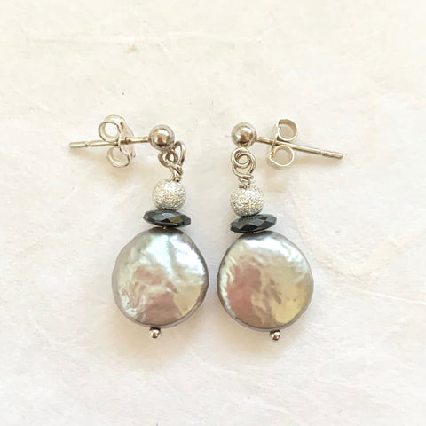 Luna Earrings - Silver (pearl & hematite)