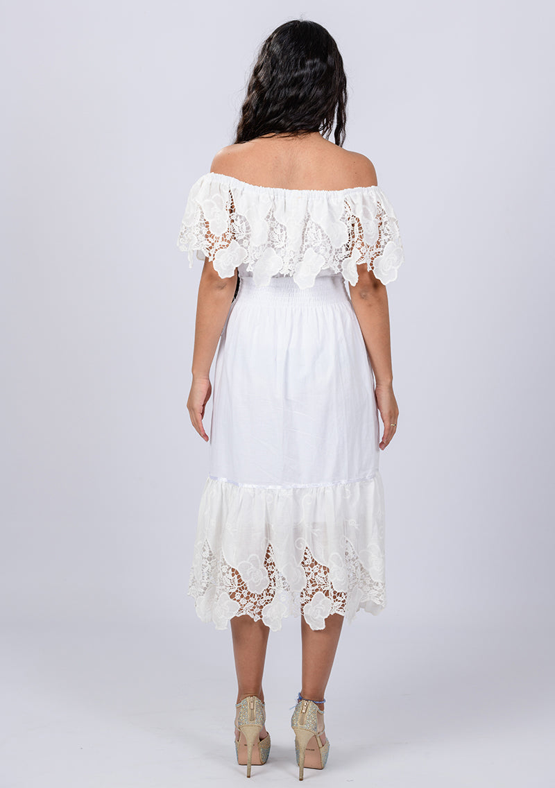 6bc697eed96a8d Long white Mexican dress with bare shoulders
