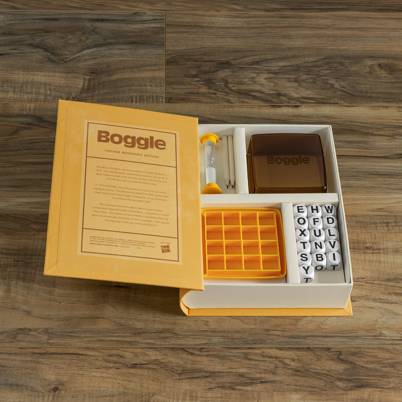 BOGGLE BOOKSHELF GAME