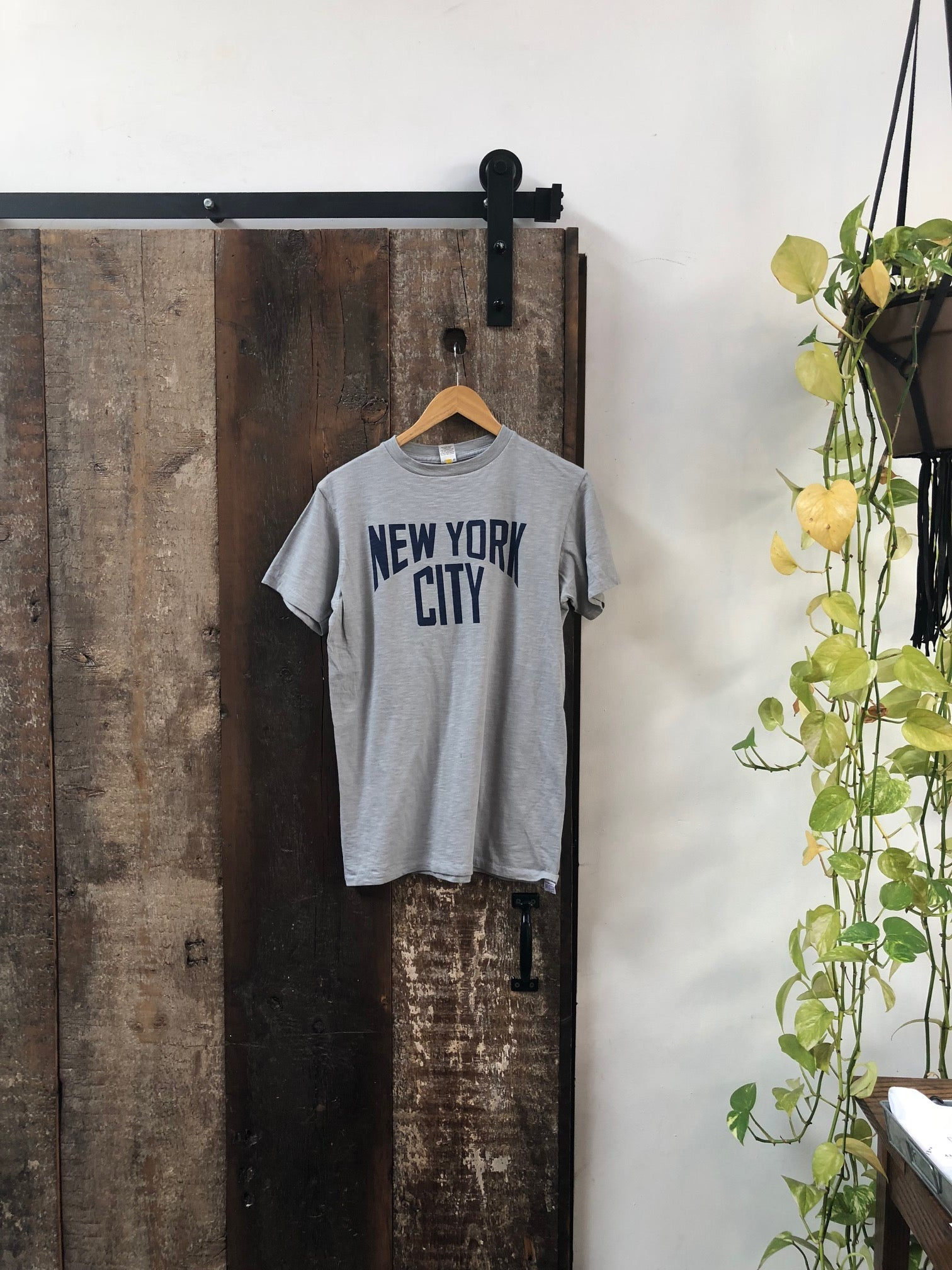NEW YORK CITY TEE - GREY