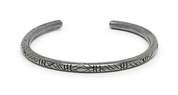 CARVED MONTAGNARD BRACELET IN BRASS (THICK)