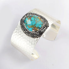 Load image into Gallery viewer, Handmade Turquoise & Hematite Crystal bracelet
