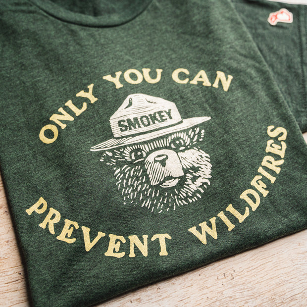 SMOKEY BEAR - PREVENT WILDFIRES (UNISEX)