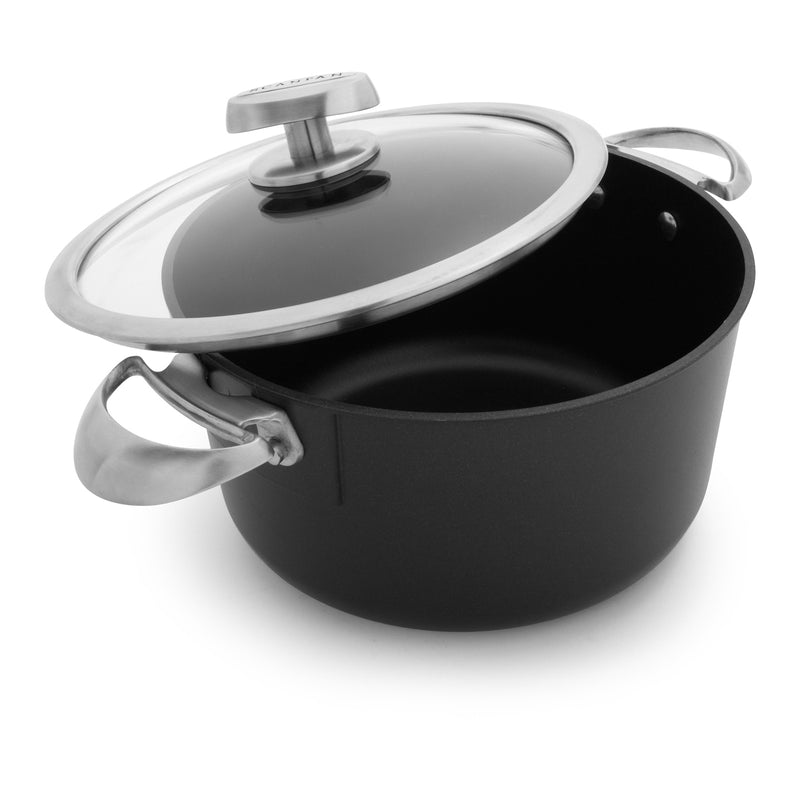 Scanpan Pro IQ - 6 1/2 Qt. Covered Dutch Oven