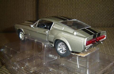 Miniatura 1:24 Ford Mustang Shelby 500 Eleanor