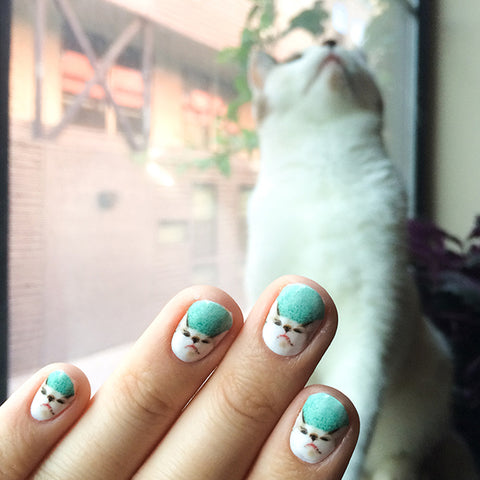 Image of NailSnaps made from an adorable cat.