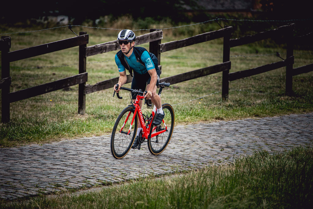 Full Gas cycling on cobbles Belgium belgian crew cycling apparel
