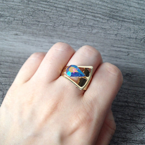 Crystal Belt Ring (dark rainbow)