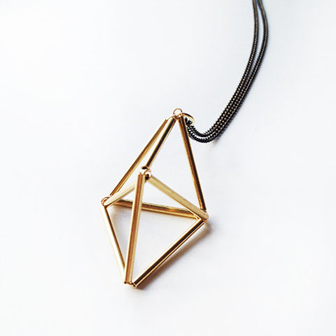 Brass Bicone Necklace 3D