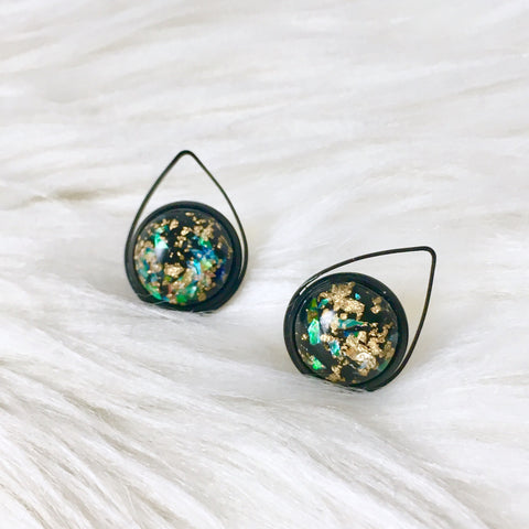 Pointer Earrings (Dark)