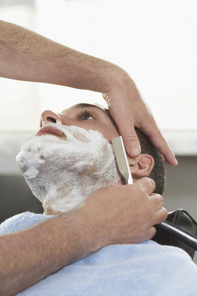 Straight Shave Razors Versus Safety Razors: Which Is Better?