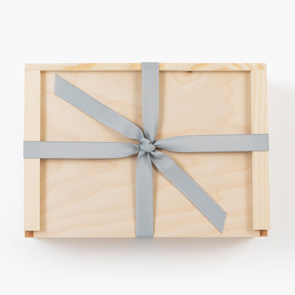 Blue-Wooden-Gift-Box-with-ribbon