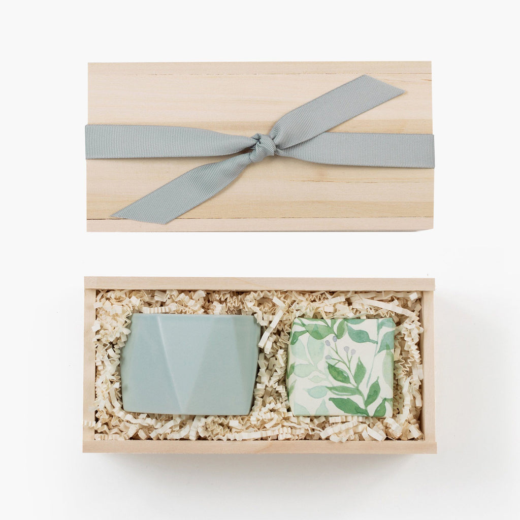 Blue-greenery-candle-sugarfina-gift-box