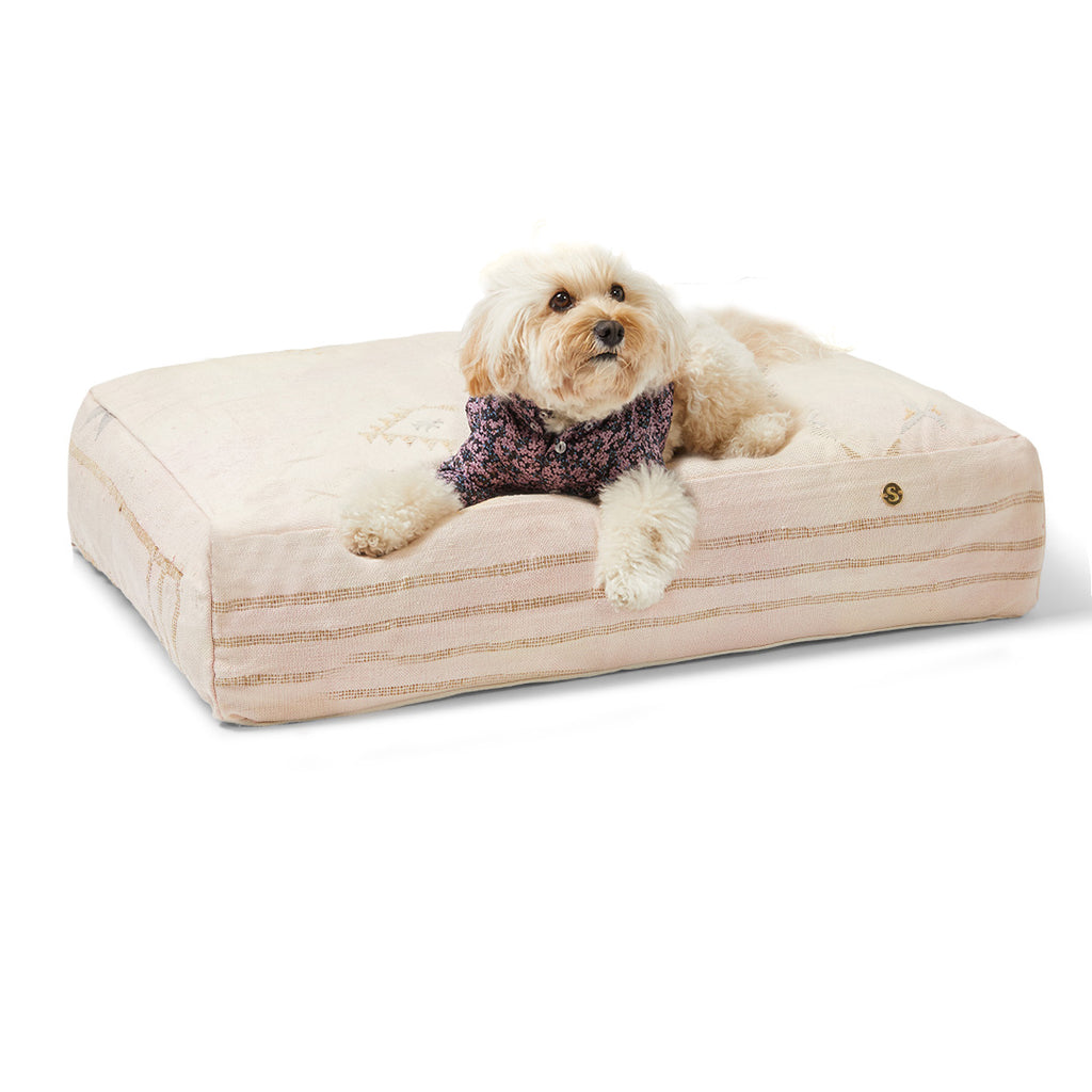 Cactus Silk Dog Bed, Soft Pink Medium