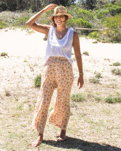 Aisha Pants in Natural Banksia print