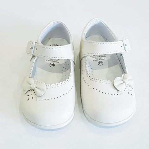 Classic Walking Shoes Ivory - Kizzies, Shoes - Childrens Wear