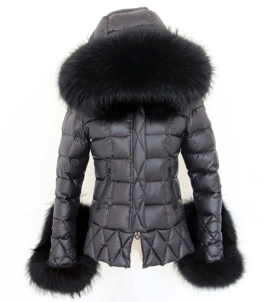 997055dec7d2 ... Black Quilted Down Jacket Oversized Raccoon Fur Hood - - ...