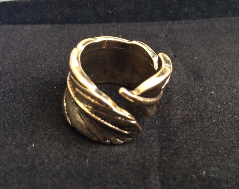 contempo Ring One Size / Gold Pluma Ring