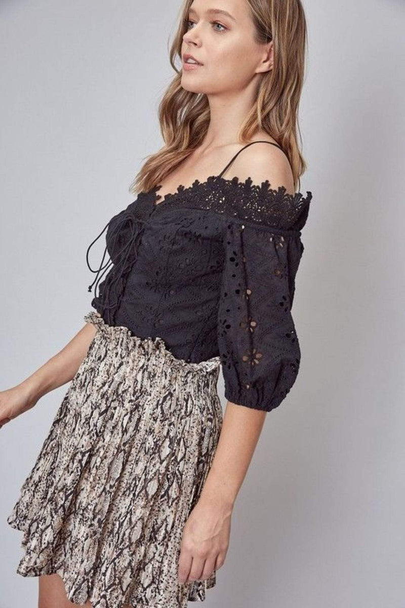 Do and Be Tops Blouse Medium / Black / Y18134 Abiba Off the Shoulder Lace Top Black