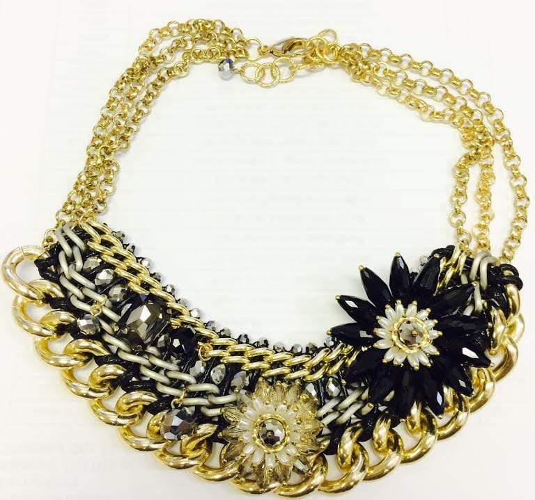 us us Necklace One Size / black Metal flower statement