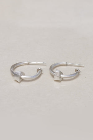 Beaded hoop earrings // Silver