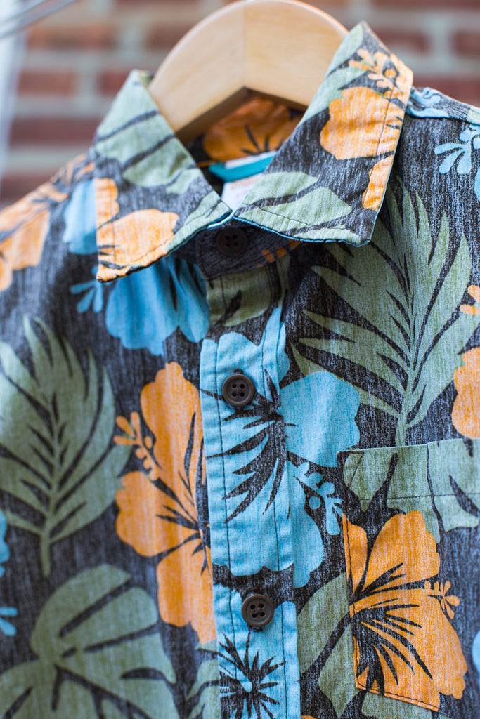 Hawaiian Short Sleeve Button Down Shirt