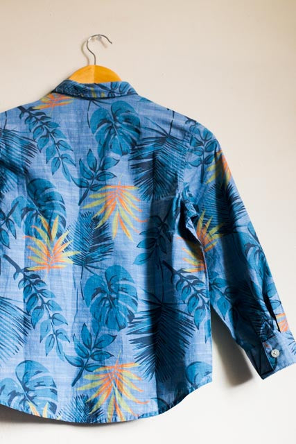 BRAND NEW HAWAIIAN BUTTON DOWN SHIRT