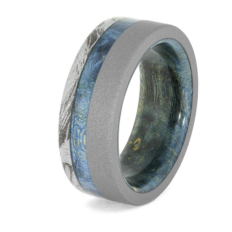 SANDBLASTED TITANIUM AND WHITE MOKUME RING WITH BLUE BOX ELDER BURL WOOD RING-4023