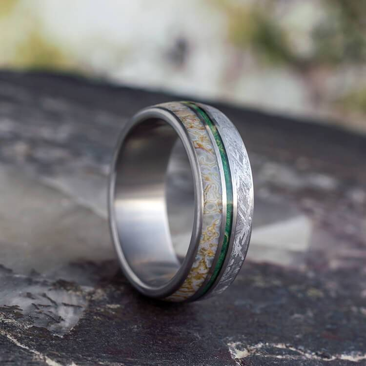 TITANIUM METEORITE WEDDING BAND WITH DINOSAUR BONE AND GREEN BOX ELDER-3500 - Cairo Men's Wedding Rings