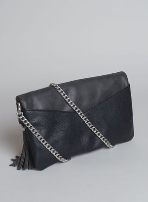CATT CLUTCH in Black
