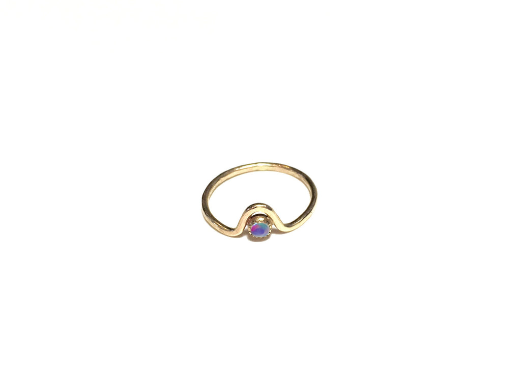wave ring with cabochon