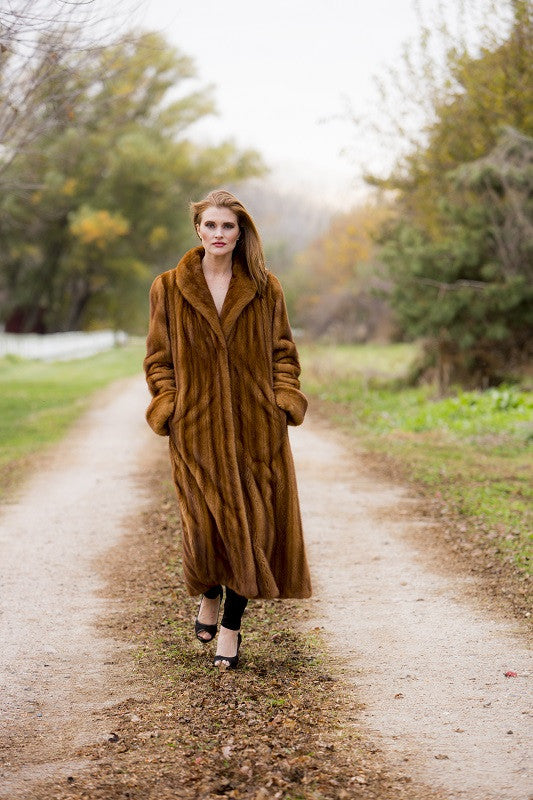 Natural Whiskey Female Mink Fur Coat