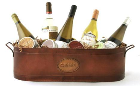 Wine Totes and Carriers: The Perfect Wine Gift Basket