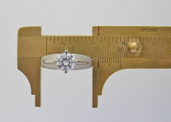 14K Gold Charming Solitare Engagement Ring Settings
