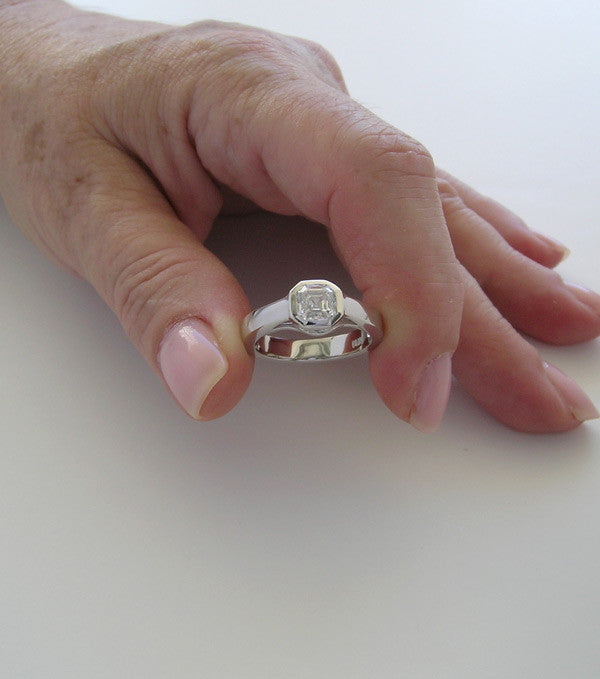 TRADITIONAL UNIQUE RING SETTING SHAPE FOR ASSHER CUT STONES