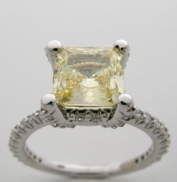 Princess Cut Diamond Engagement ring Setting