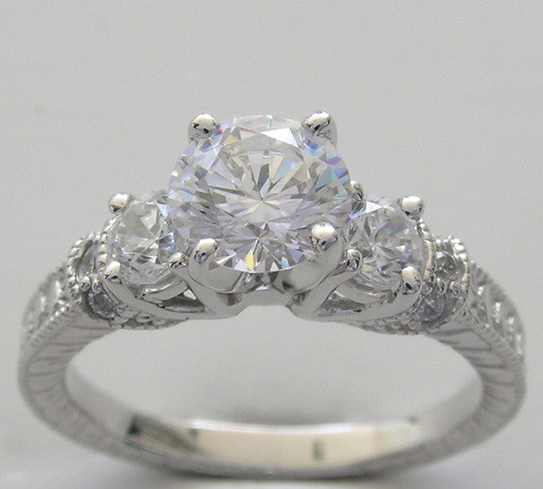 Diamond Ring settings with Side Accents Diamonds for a Round Diamond 6.5 mm