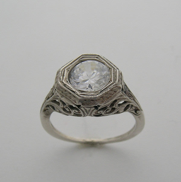 Octogonal Antique Style Ring for a 8.00 mm Round Diamond