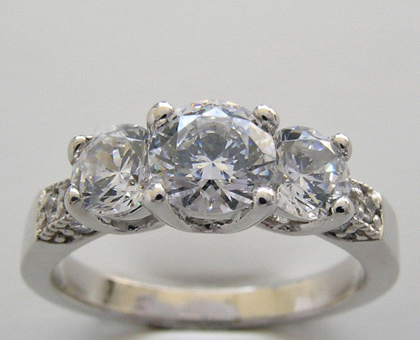 Three Stone Diamond Engagement Ring, center 4.50 mm