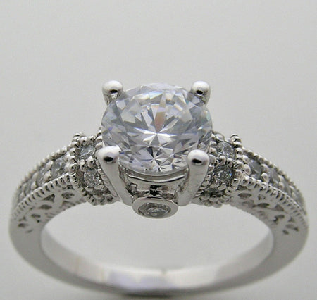 BEAUTIFUL DESIGN DIAMOND ACCENTED ENGAGEMENT RING SETTING FOR A ROUND STONE