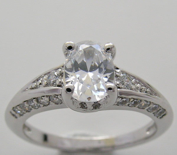 OVAL SHAPE ENGAGEMENT RING SETTING WITH DIAMOND ACCENT