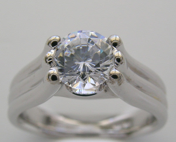 SIX PRONG ATTRACTIVE ENGAGEMENT OR REMOUNT RING SETTING