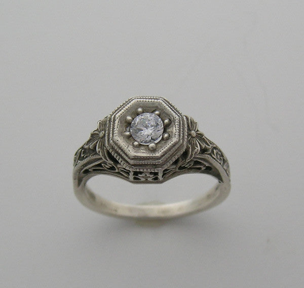 Antique Art Nouveau Style Ring Setting for a 4.00 mm Center Diamond
