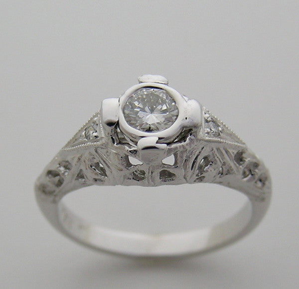 18k White Gold Art Deco Style Filigree Diamond Ring