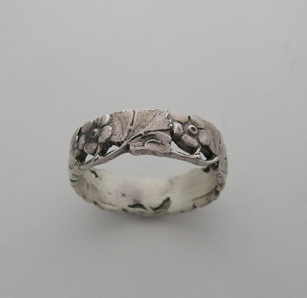 14K Engraved Floral Wedding Ring Band
