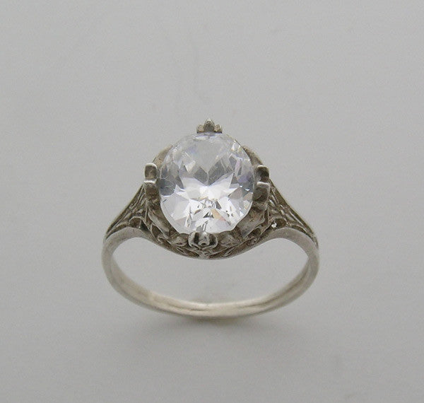 Engagement Ring Setting Antique style for an oval gemstone 10..00 x 8.00 mm