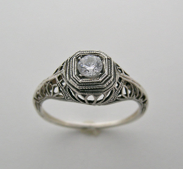 Old World Ring Setting Antique Style for a 4.00 mm round diamond