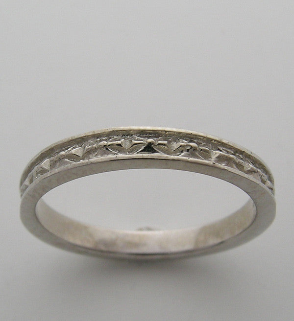 Art Nouveau Antique Style Engraved Wedding Band
